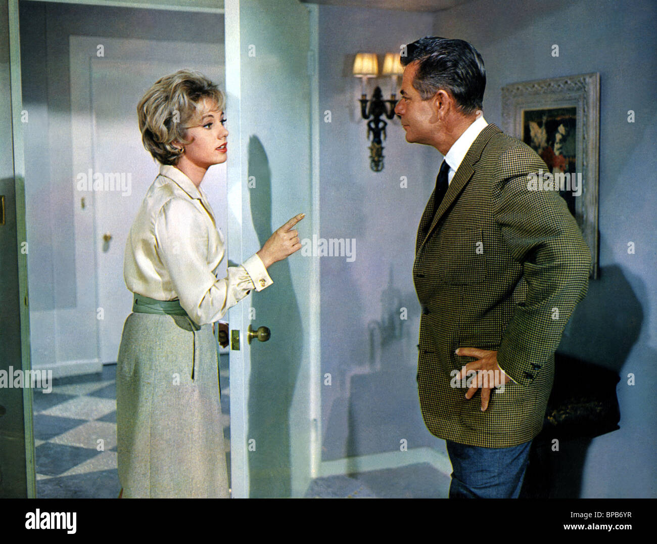 SHIRLEY JONES & GLENN FORD THE COURTSHIP OF EDDIE'S FATHER (1963) - Stock Image