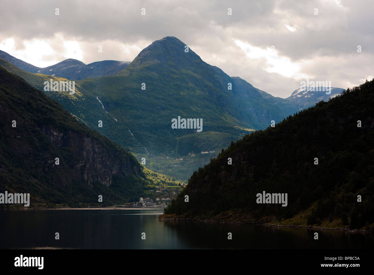 Vinsaashorn Towers above the town of  Geiranger Norway Grindalseter - Stock Image