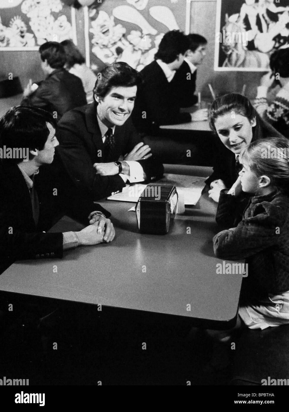 ERIC BROWN, PIERCE BROSNAN, STEPHANIE ZIMBALIST, BRIDGETTE ANDERSEN, REMINGTON STEELE, 1982 Stock Photo