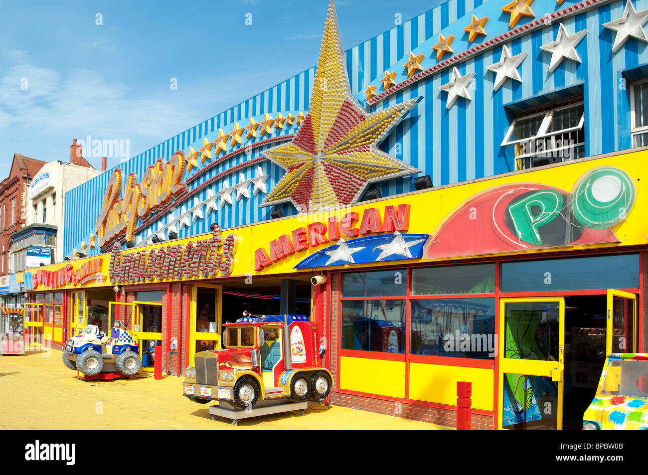 an amusement arcade on the ' golden mile ' in Blackpool, UK - Stock Image