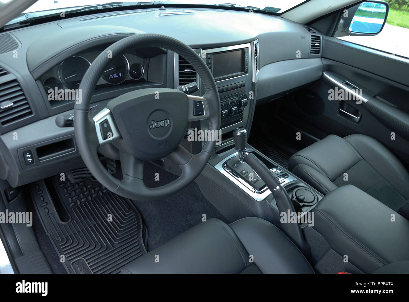 2005 jeep grand cherokee interior pictures. Black Bedroom Furniture Sets. Home Design Ideas