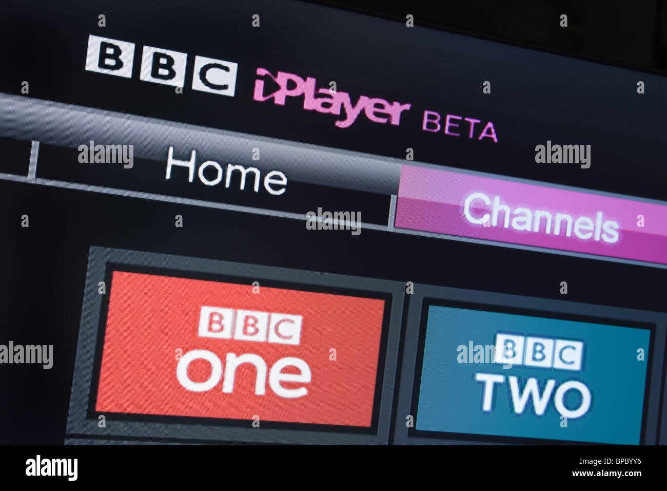UK, Europe. Close-up screenshot of a modern television showing BBC iPlayer beta channels on Freesat screen - Stock Image