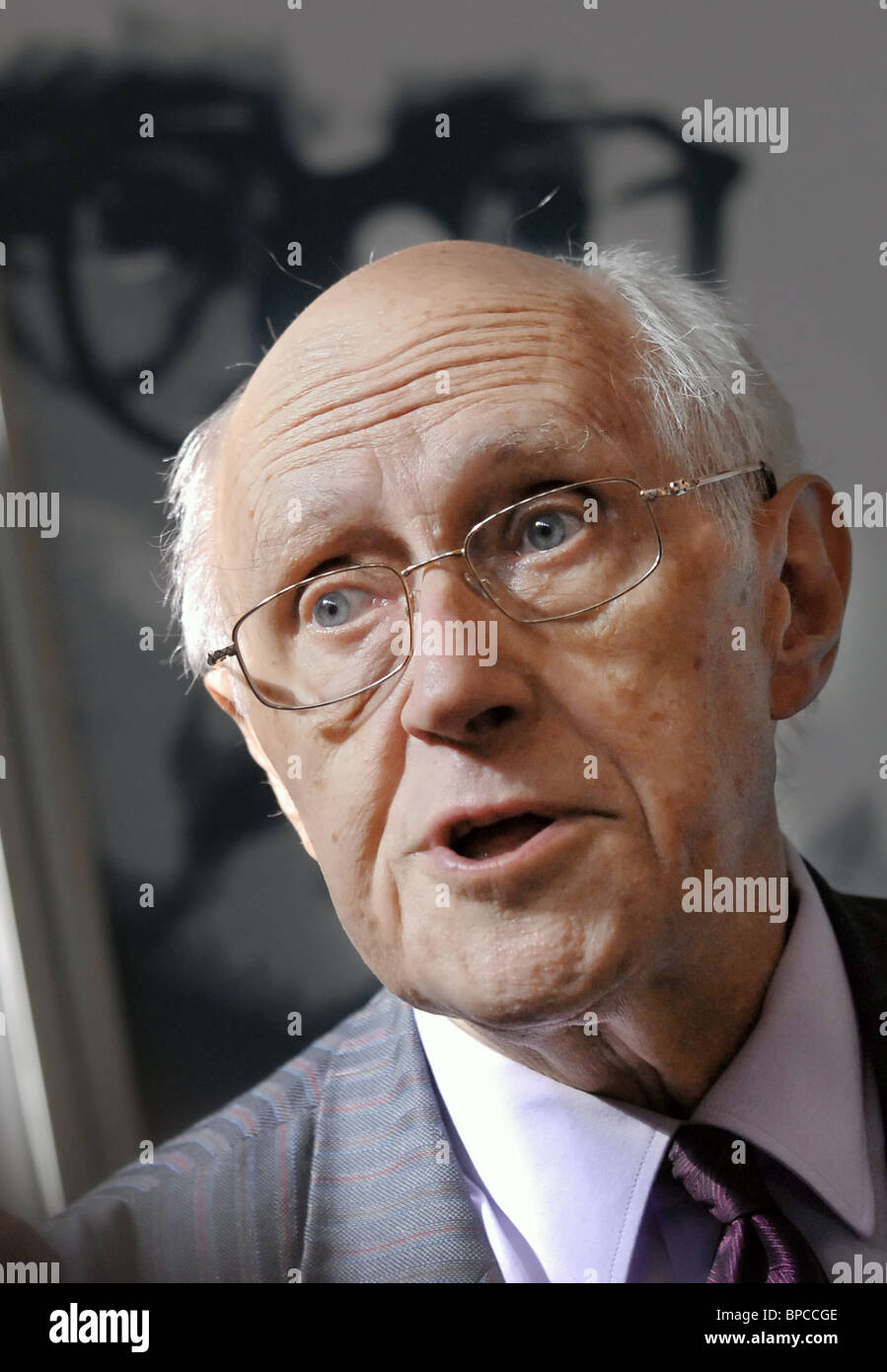 Cello virtuoso Mstislav Rostropovich holds press conference in Moscow Conservatory - Stock Image
