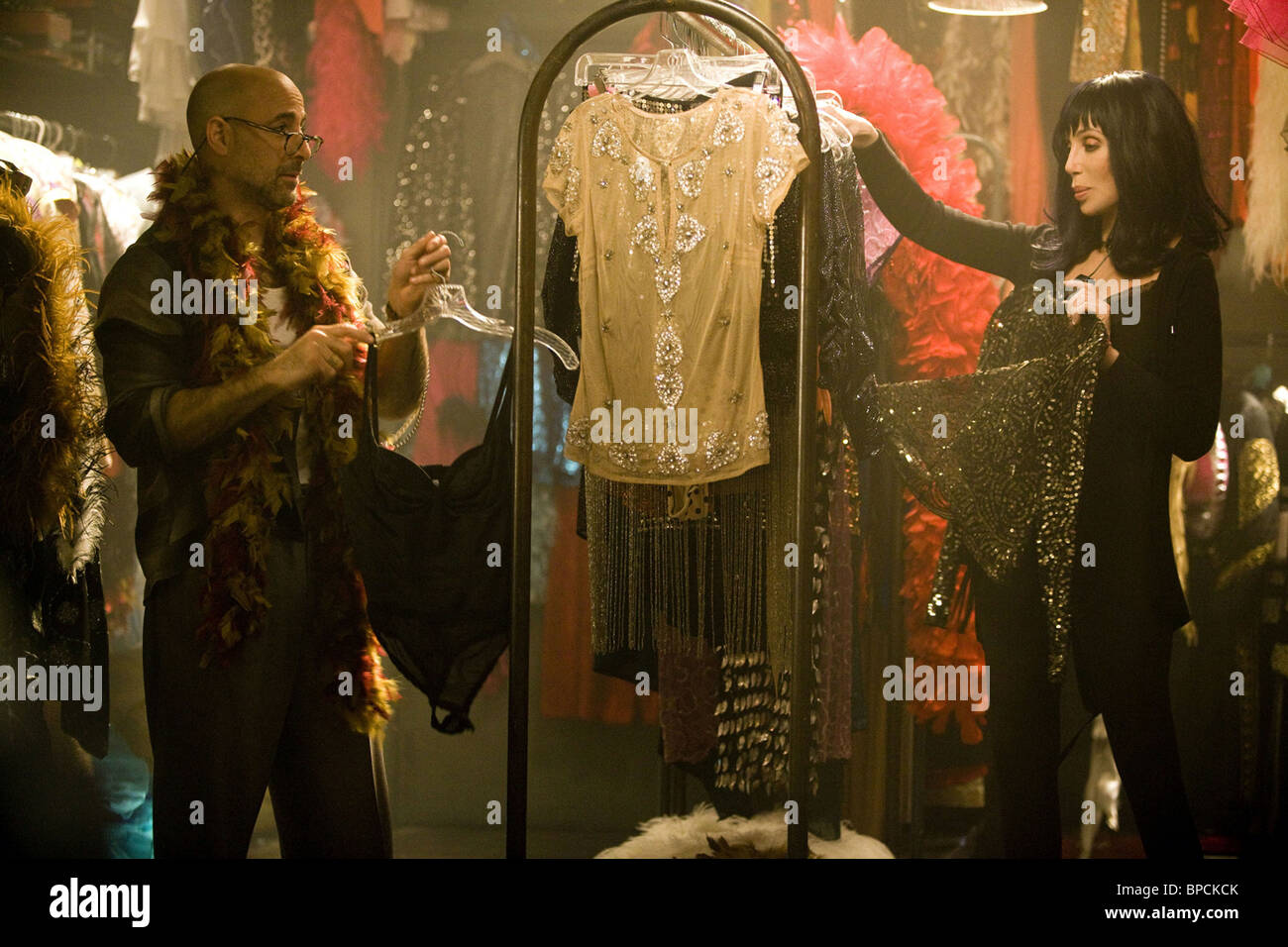 BURLESQUE (2010) CHER, STANLEY TUCCI STEVEN ANTIN (DIR) 006 MOVIESTORE COLLECTION LTD - Stock Image