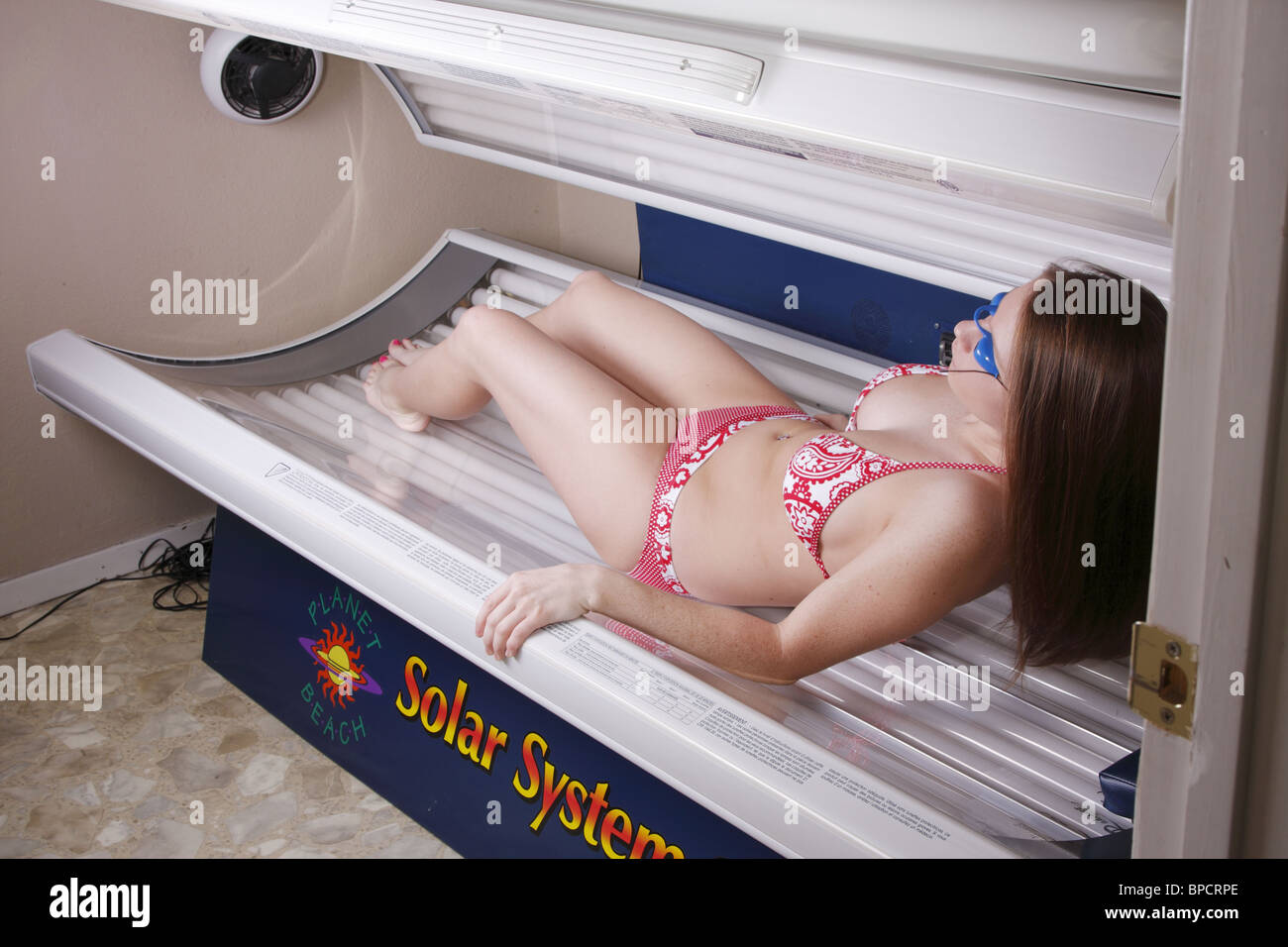 Russian teen tanning bed