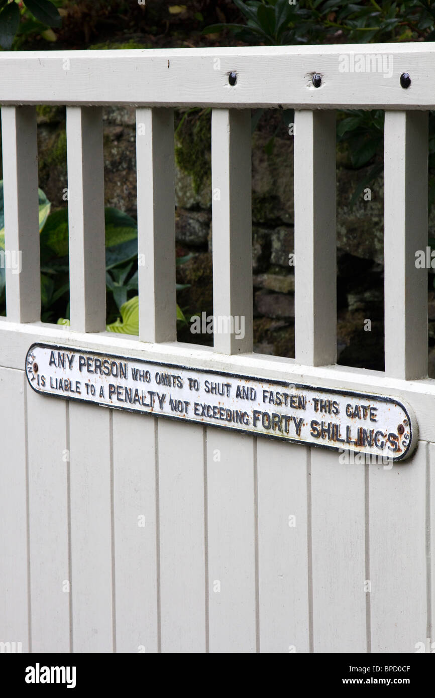 any person who does not shut gate liable to penalty of 40 shillings uk gb Stock Photo