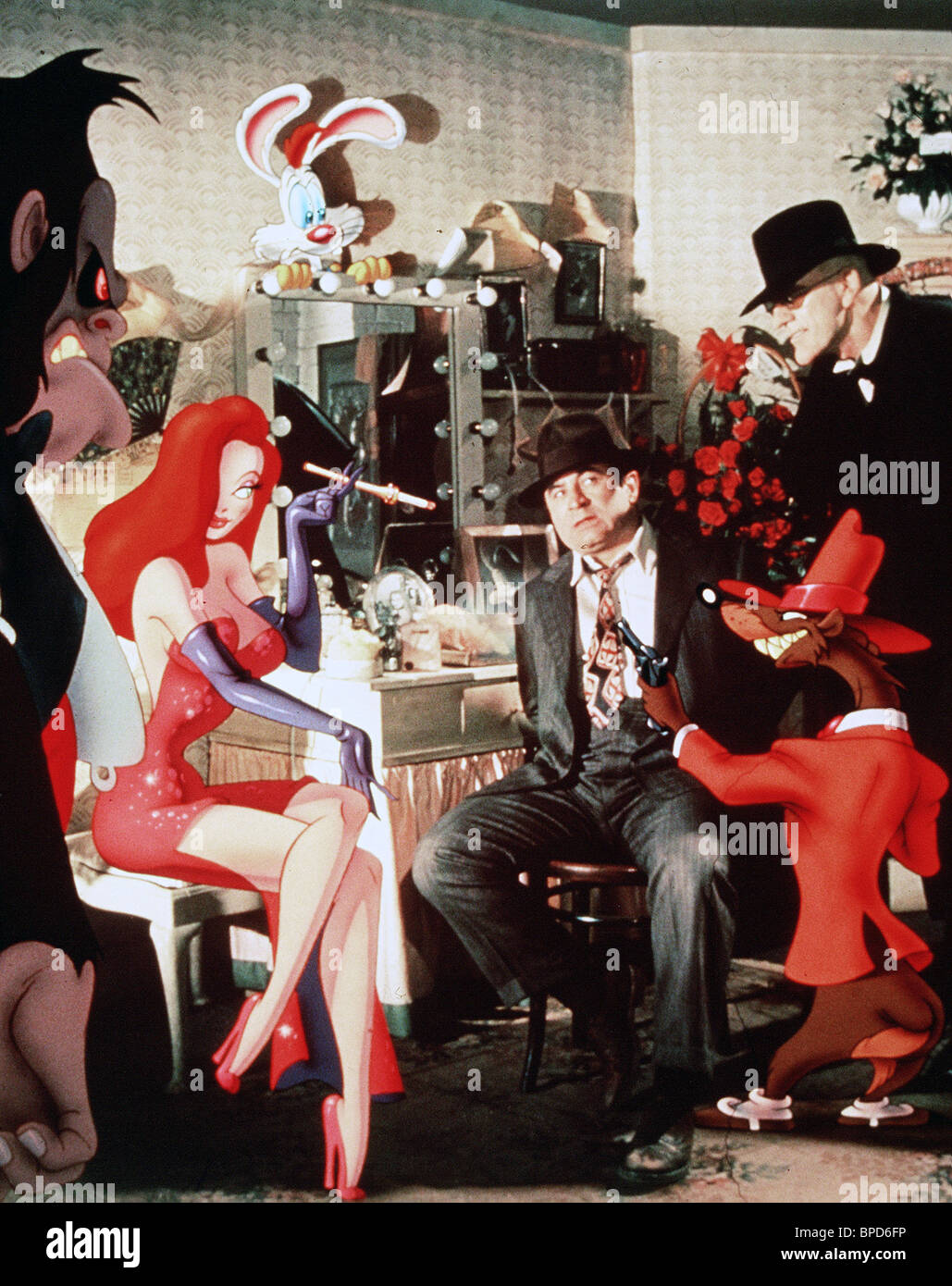 JESSICA ROGER RABBIT BOB HOSKINS & CHRISTOPHER LLOYD WHO FRAMED ...
