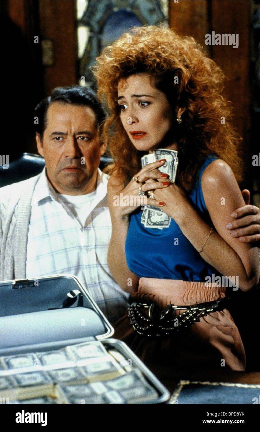 Barry Corbin Annie Potts Who S Harry Crumb 1989 Stock Photo Alamy