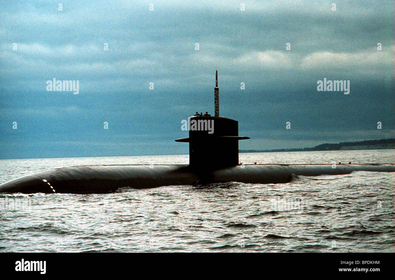 SUBMARINE THE HUNT FOR RED OCTOBER (1990 Stock Photo