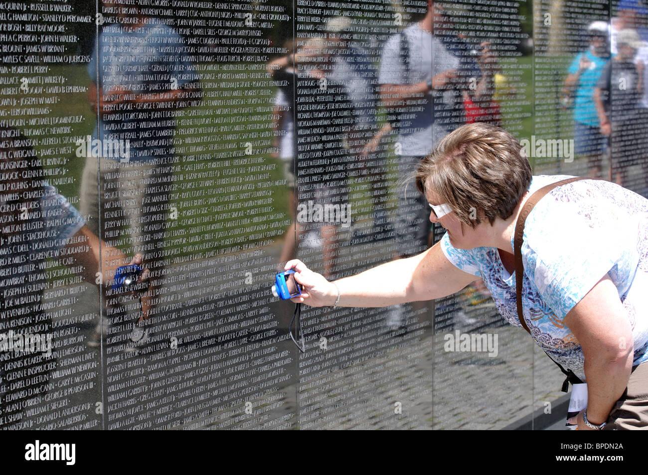Visitors Wall Vietnam Veterans Memorial Stock Photos