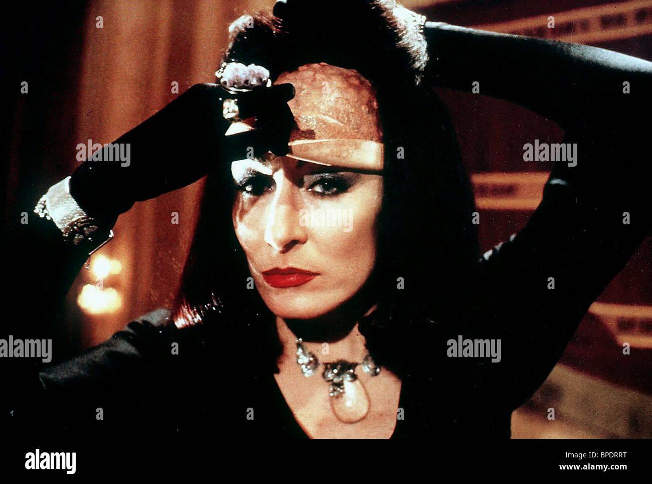 ANJELICA HUSTON THE WITCHES (1990) - Stock Image