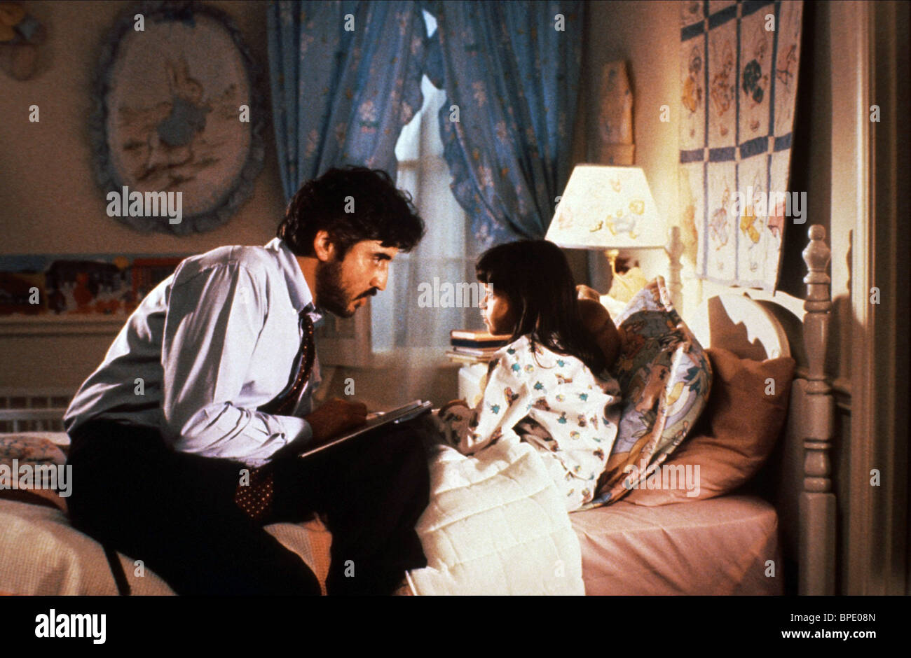 ALFRED MOLINA & SHEILA ROSENTHAL NOT WITHOUT MY DAUGHTER (1991) - Stock Image