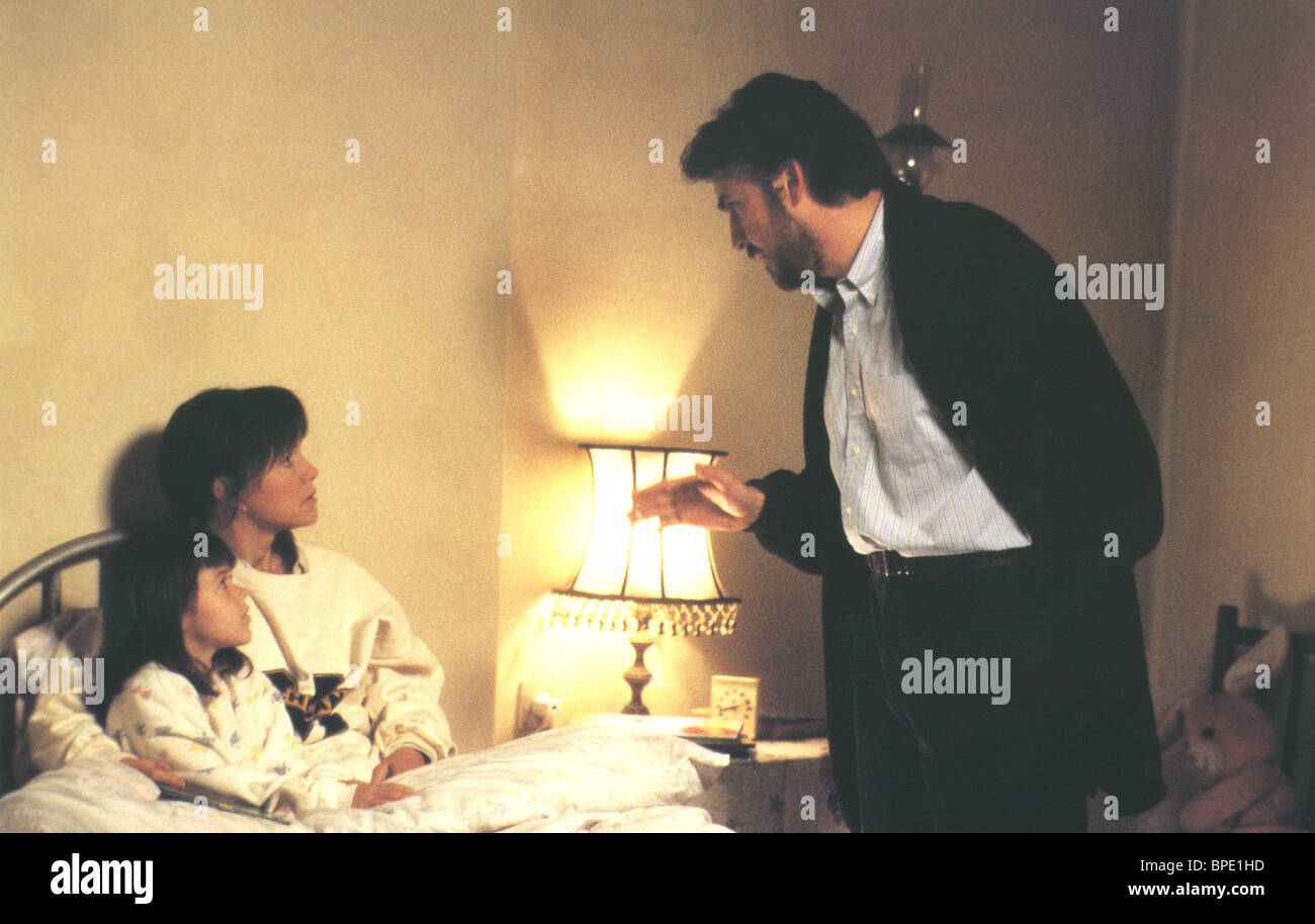 SHEILA ROSENTHAL SALLY FIELD & ALFRED MOLINA NOT WITHOUT MY DAUGHTER (1991) - Stock Image