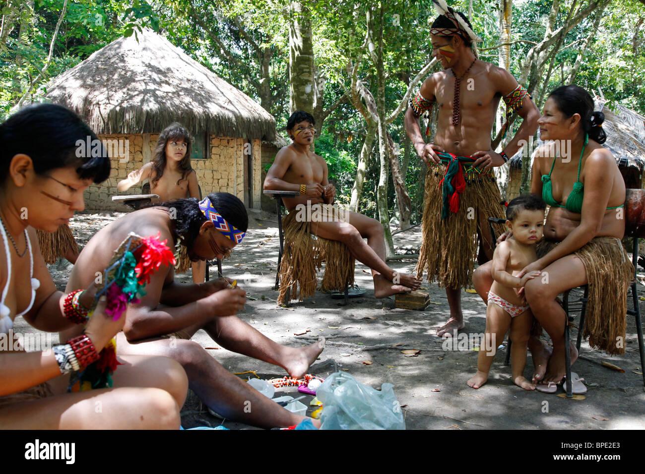 Pataxo Indian people at the Reserva Indigena da Jaqueira near Porto Seguro, Bahia, Brazil. - Stock Image
