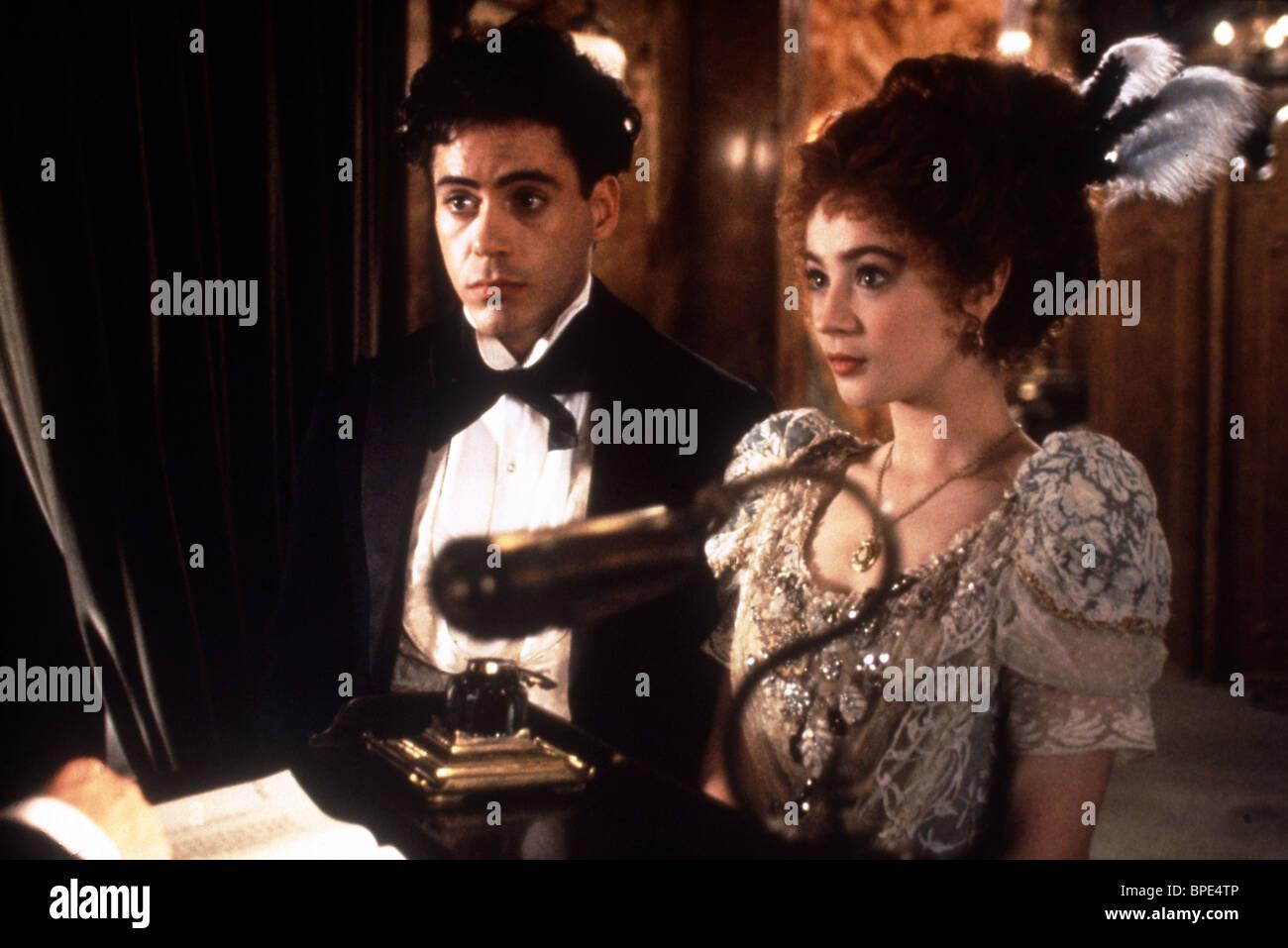 ROBERT DOWNEY JR., MARISA TOMEI, CHAPLIN, 1992 - Stock Image