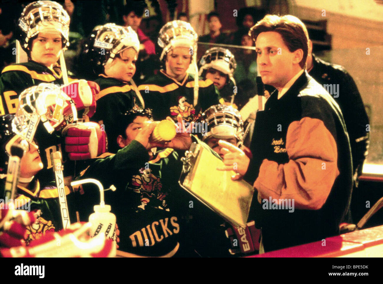 EMILIO ESTEVEZ THE MIGHTY DUCKS (1992) - Stock Image