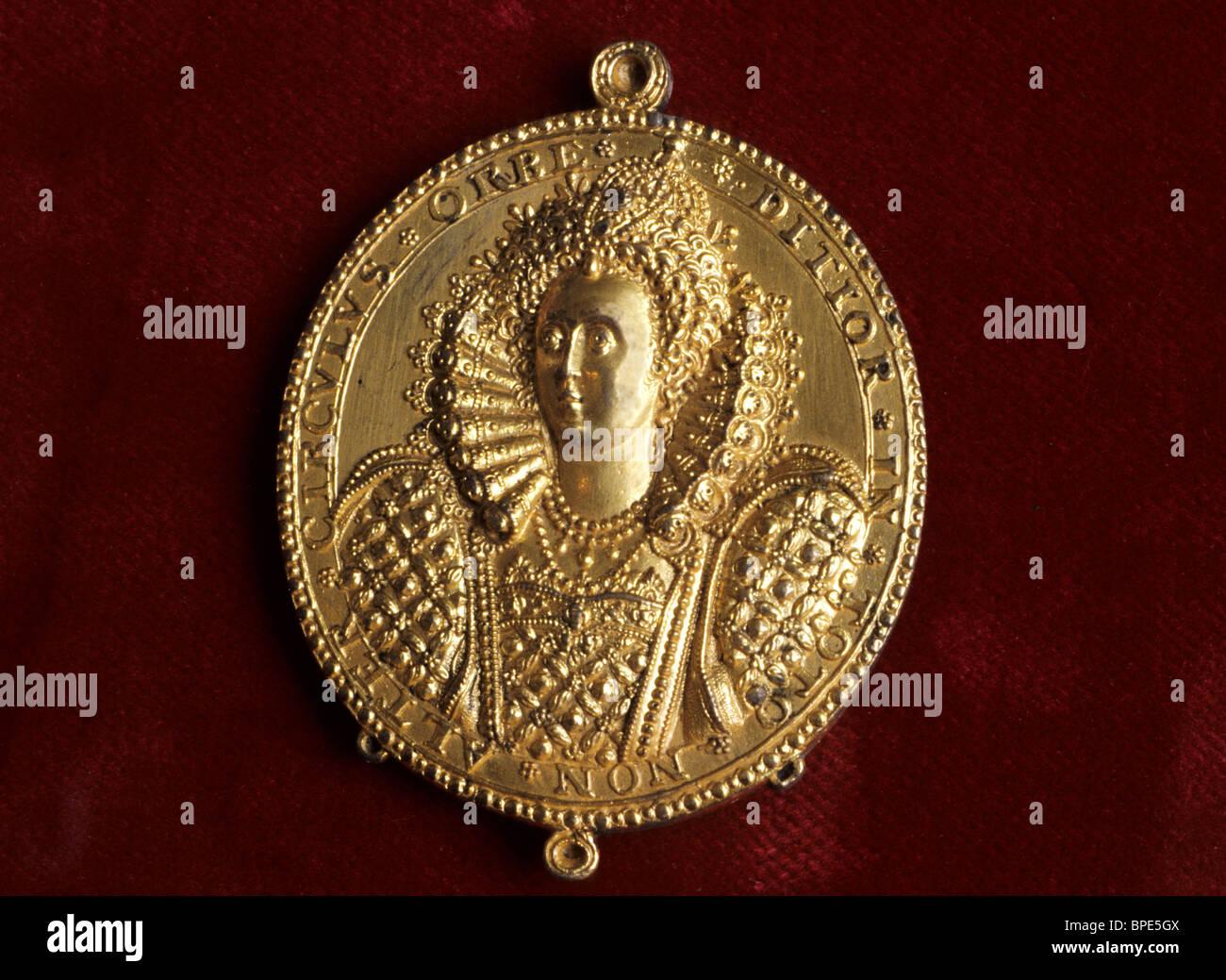 Portsmouth RN Museum, English Armada Medal, Elizabeth 1st 16th century Elizabethan medals Hampshire England UK English - Stock Image