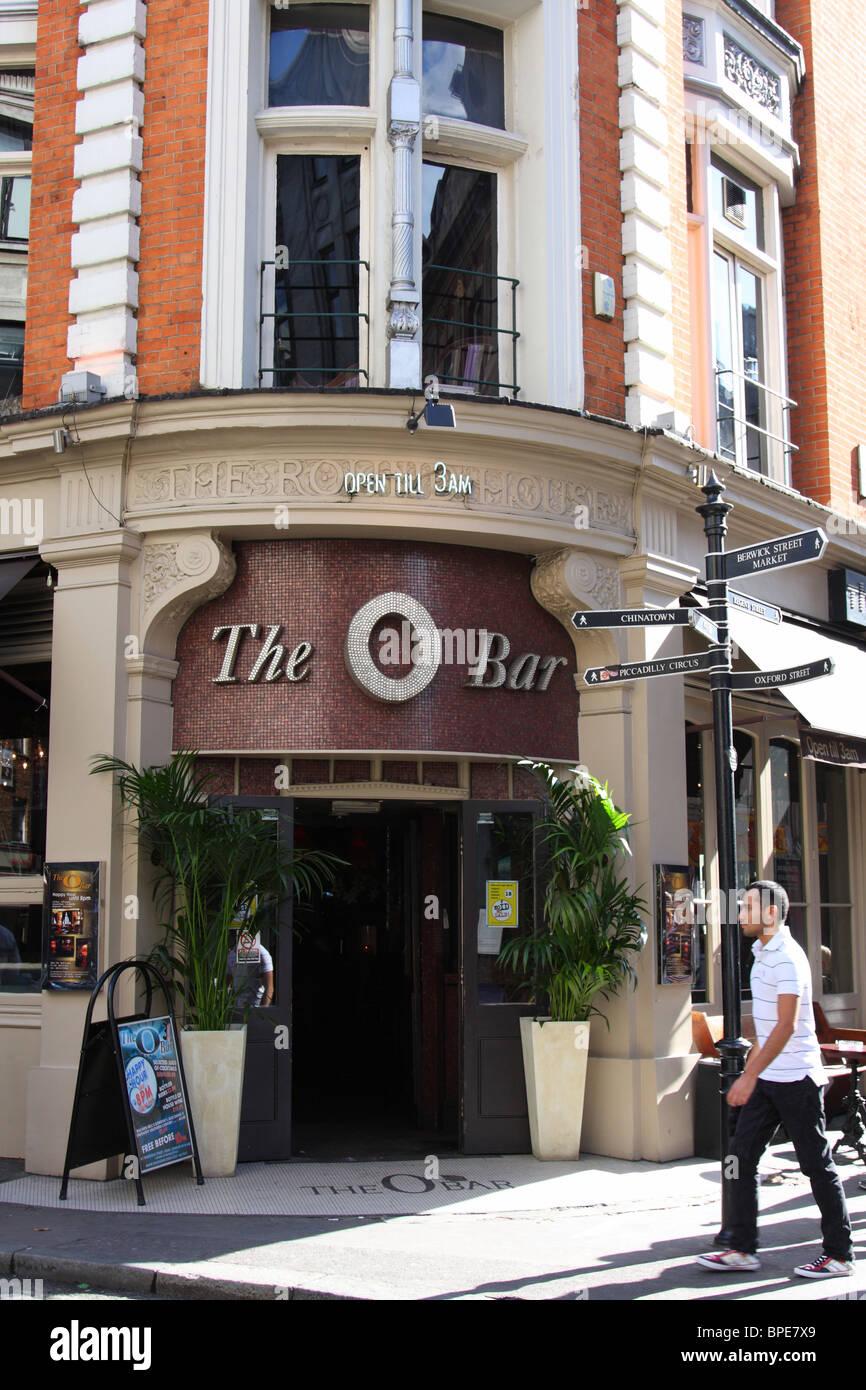 The O Bar, Wardour Street, Soho, London. - Stock Image