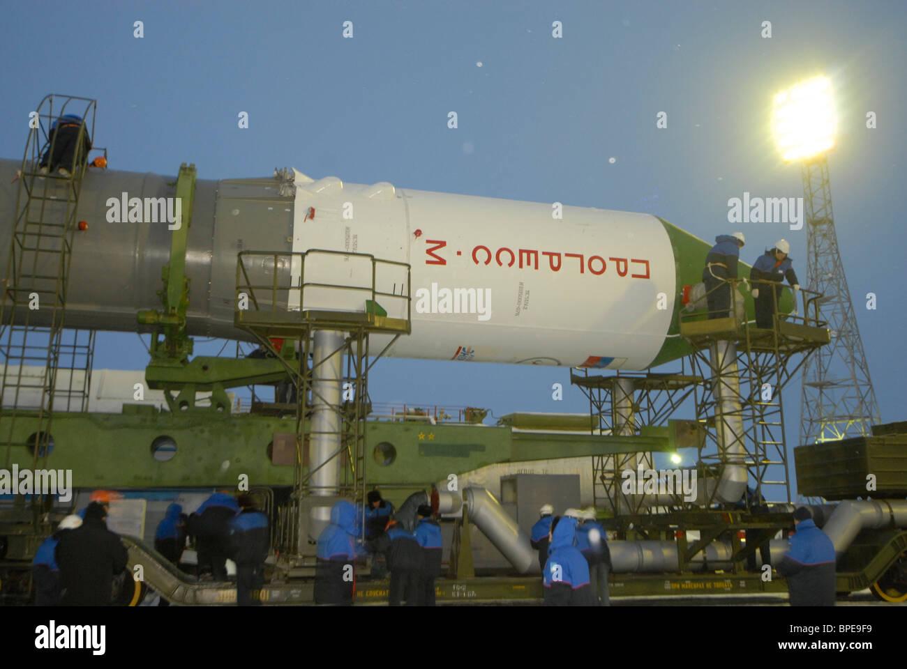 Launch preparation for Soyuz-U rocket carrying spacecraft Progress M-62 at Baikonur Cosmodrome - Stock Image