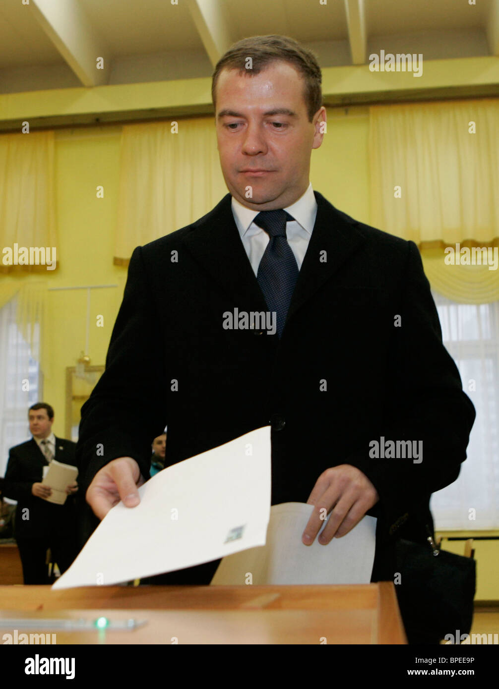 Moscow Goes To The Polls To Choose A Successor To President Vladimir Stock Photo Alamy