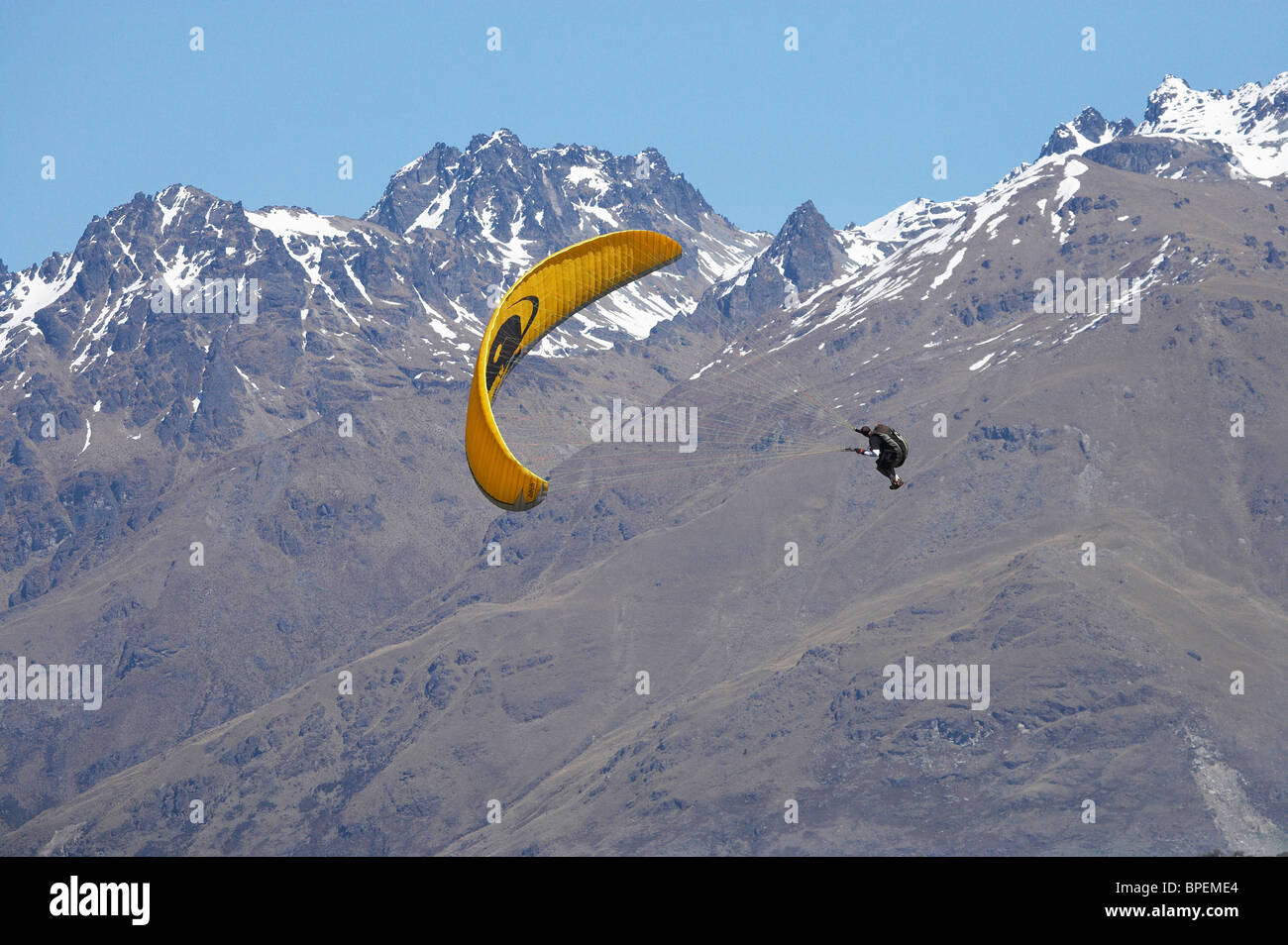Paragliding Over Queenstown Stock Photos & Paragliding Over