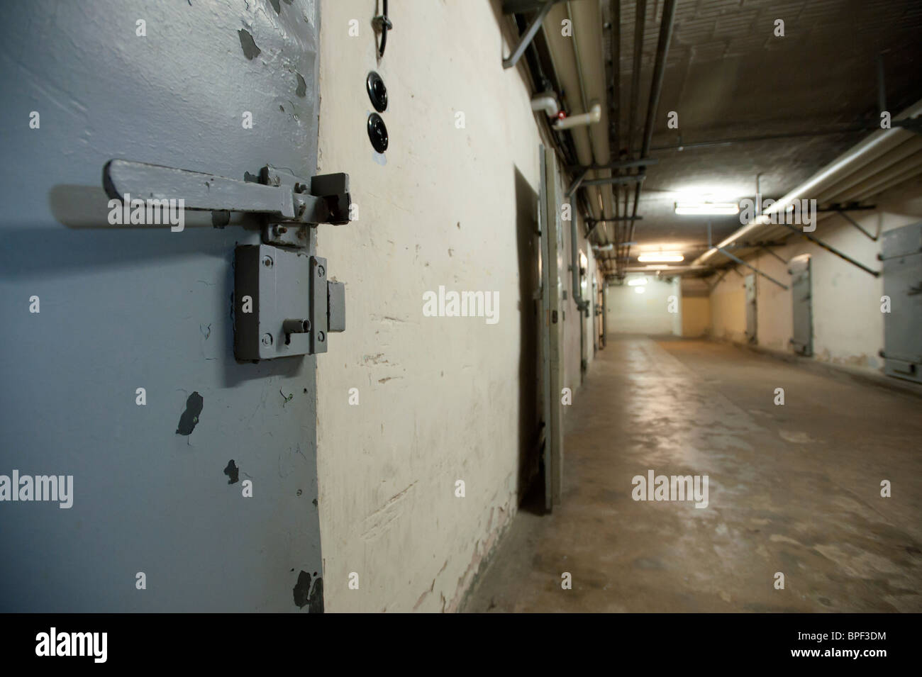 Underground cells in U-boat bunker at state secret security police or STASI prison at Hohenschönhausen in Berlin - Stock Image