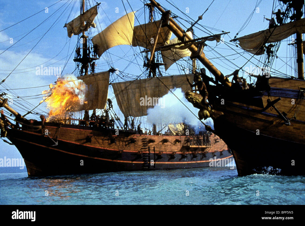 PIRATE SHIP BATTLE SCENE CUTTHROAT ISLAND (1995) - Stock Image