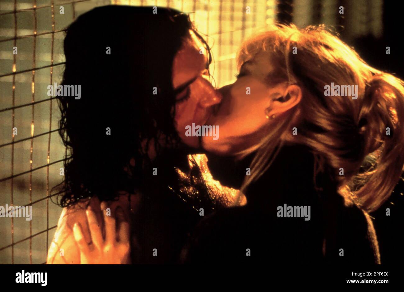 Angelina jolie e antonio banderas cena sexo quente no filme pecado original acesse wwwpornonanetcom - 5 3