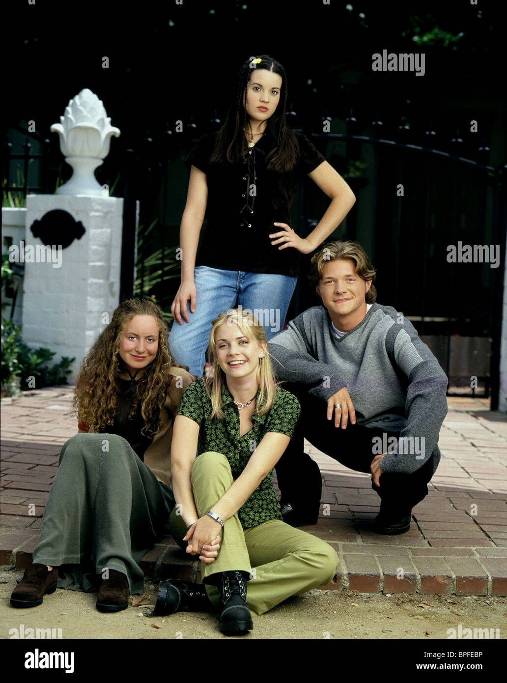 Jenna Leigh Green Melissa Joan Hart Nate Richert Sabrina The Stock Photo Alamy Lindsay sloane, lake bell, angela sarafyan, lucy punch, michelle borth and martin starr. jenna leigh green melissa joan hart nate richert sabrina the stock photo alamy