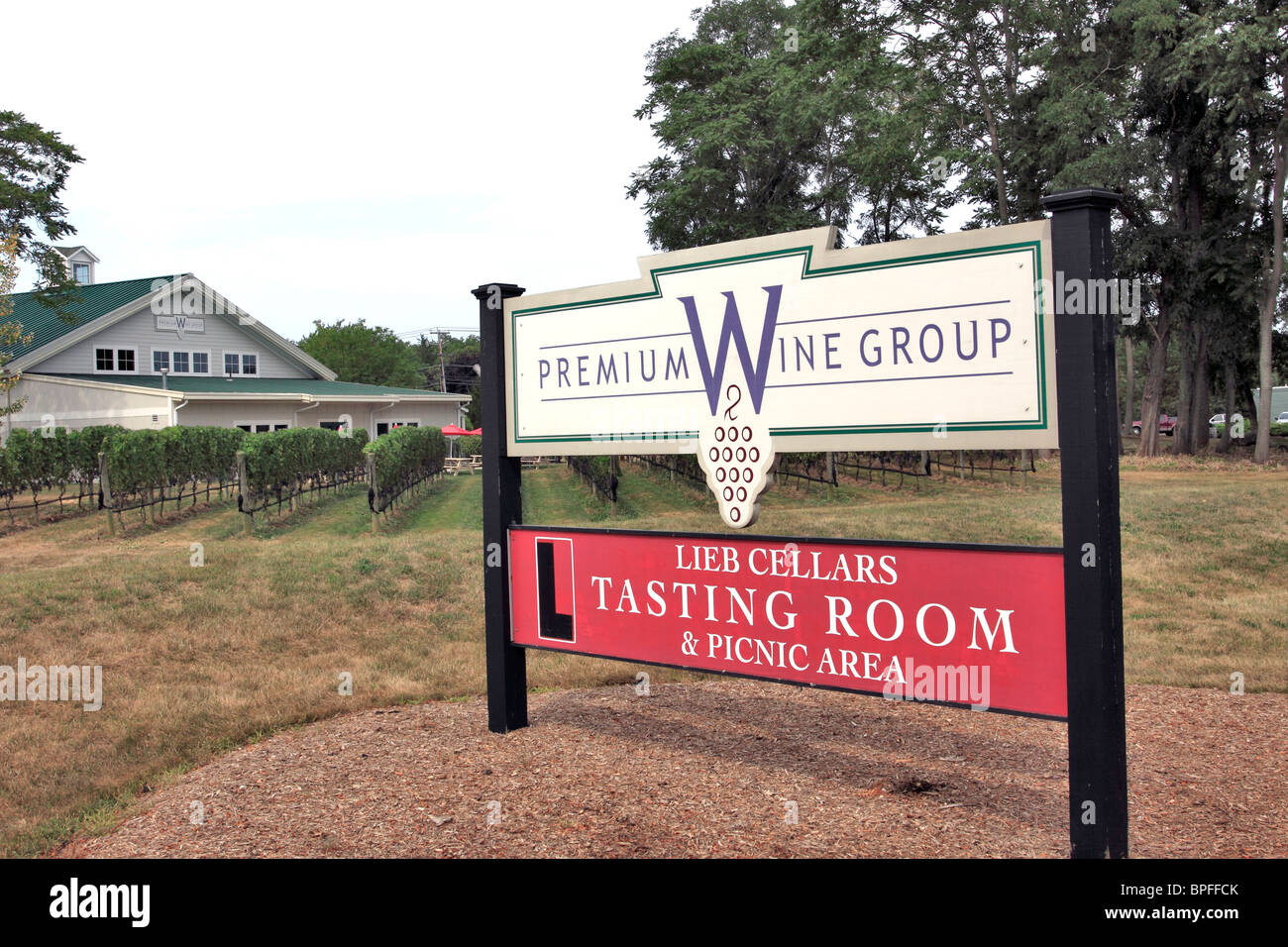 Lieb Cellars Winery and Vineyards Mattituck north fork of eastern Long Island NY & Lieb Cellars Winery and Vineyards Mattituck north fork of eastern ...