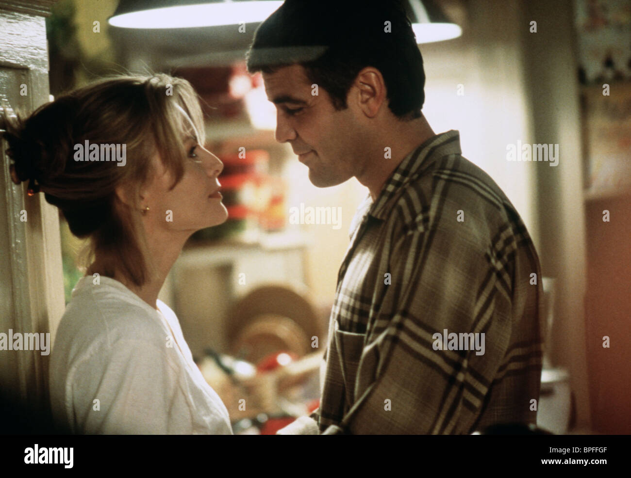 MICHELLE PFEIFFER, GEORGE CLOONEY, ONE FINE DAY, 1996 Stock Photo