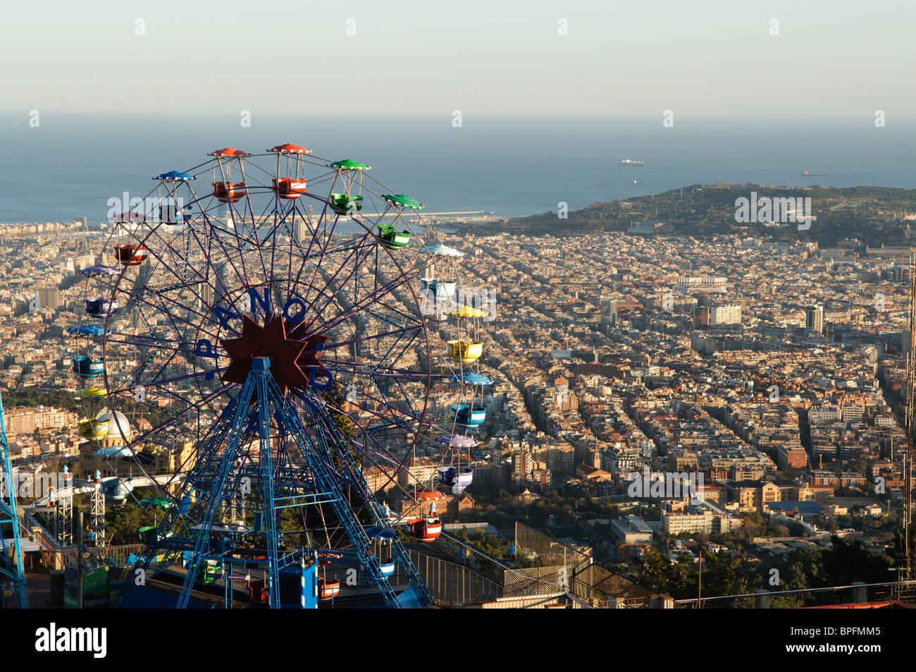 Ferris Wheel in Tibidabo amusement park, Montjuic, Barcelona, Spain - Stock Image