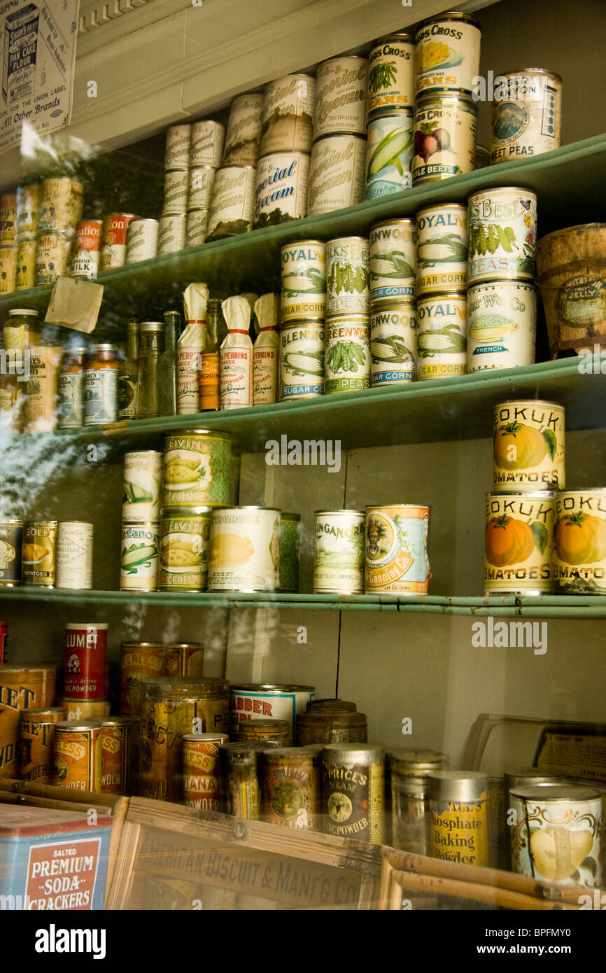 Grocery Store Shelves Usa Stock Photos & Grocery Store Shelves Usa ...