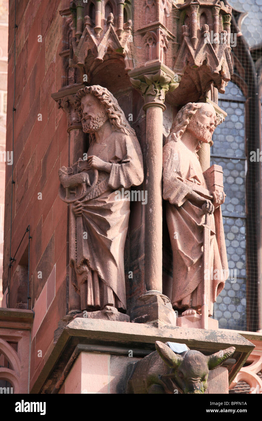 Statues of Saints on the South Face of Freiburg Münster, Baden Wurtemburg, Germany - Stock Image