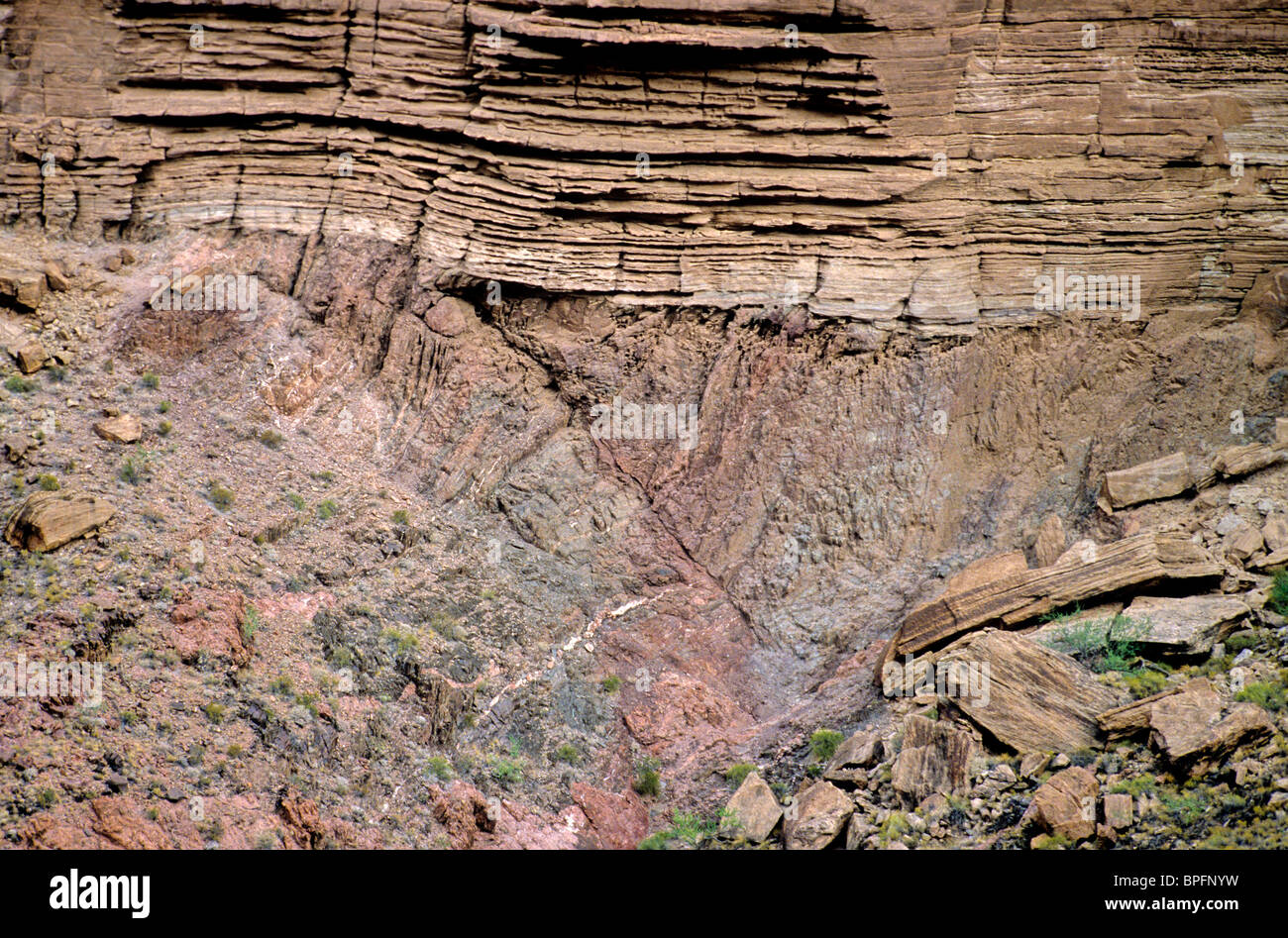Great Unconformity, contact between Vishnu Schist below and sedimentary Tapeats Sandstone, Grand Canyon National - Stock Image