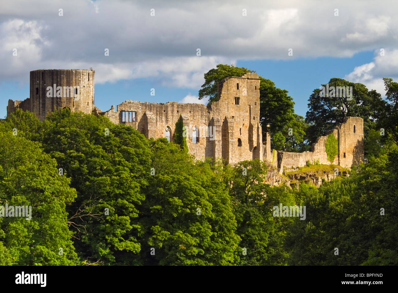 Barnard Castle, a Norman fortification, built on the banks of the River Tees, Teesdale, County Durham, England - Stock Image
