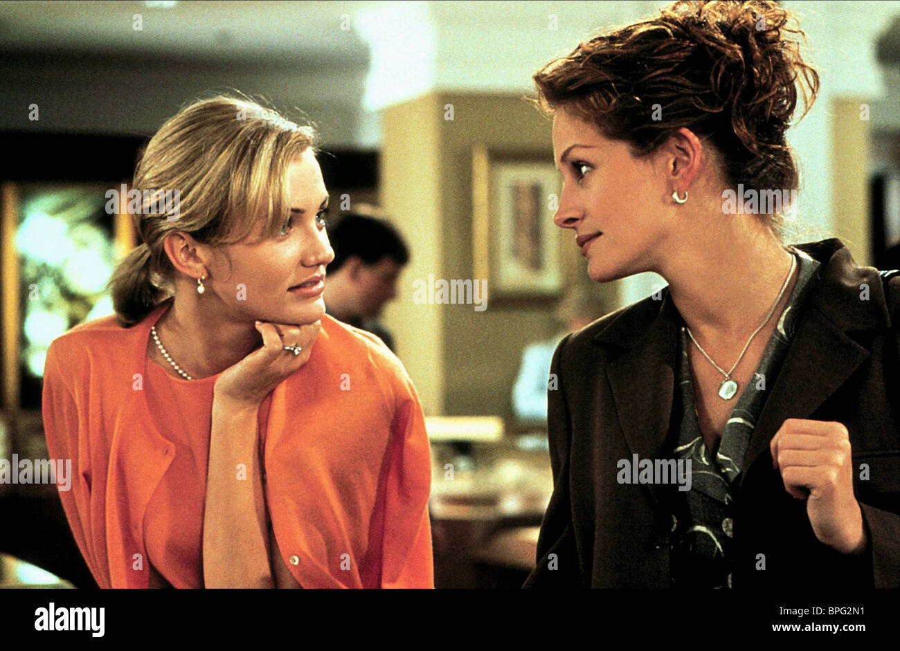 Cameron Diaz Julia Roberts My Best Friend S Wedding 1997 Stock Photo Alamy
