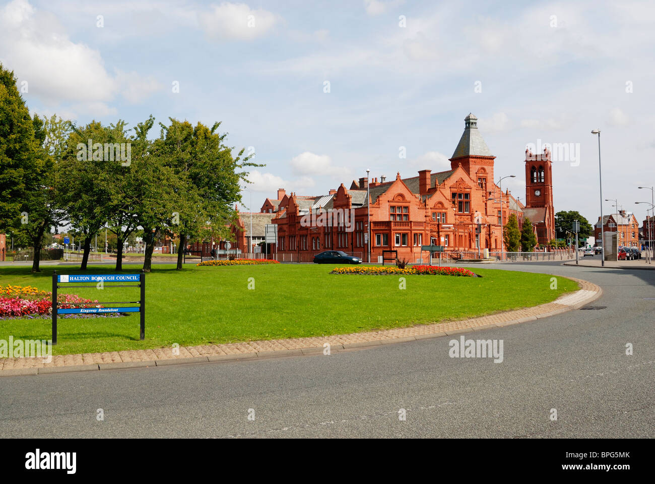 Widnes Technical College and Library - once the centre of Widnes prior to development of the top end of the main - Stock Image