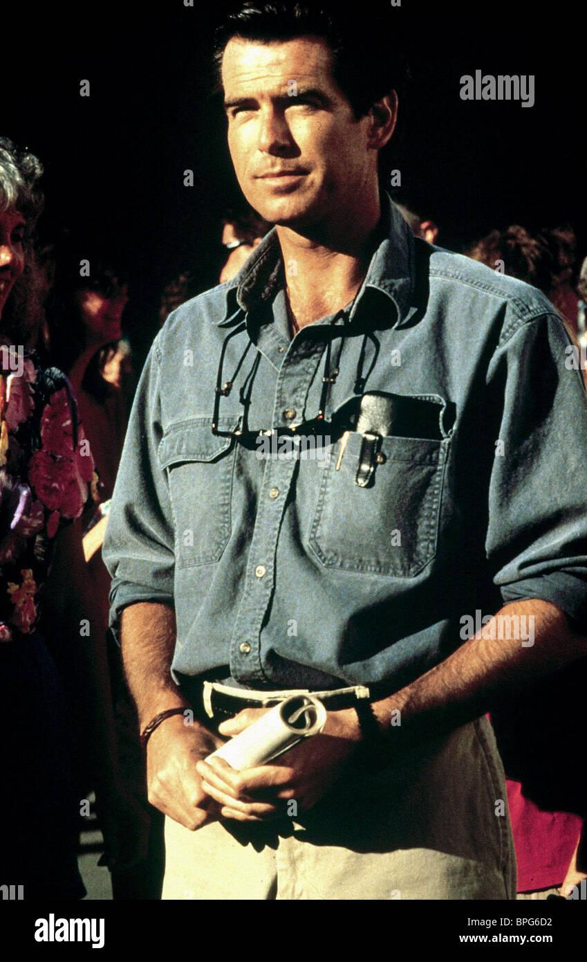 Pierce Brosnan Dante S Peak 1997 Stock Photo Alamy
