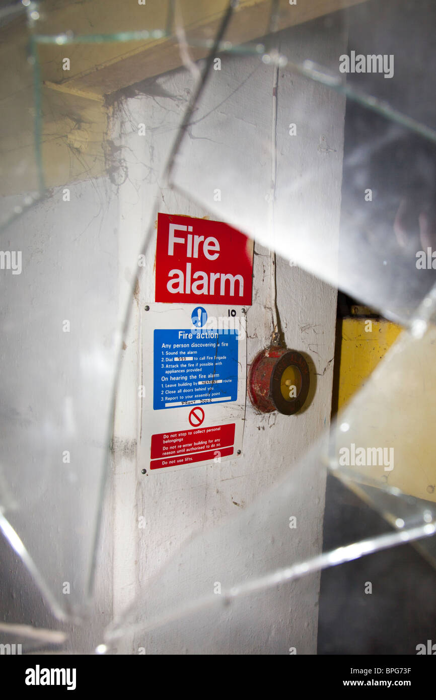 fire alarm break glass stock photos amp fire alarm break