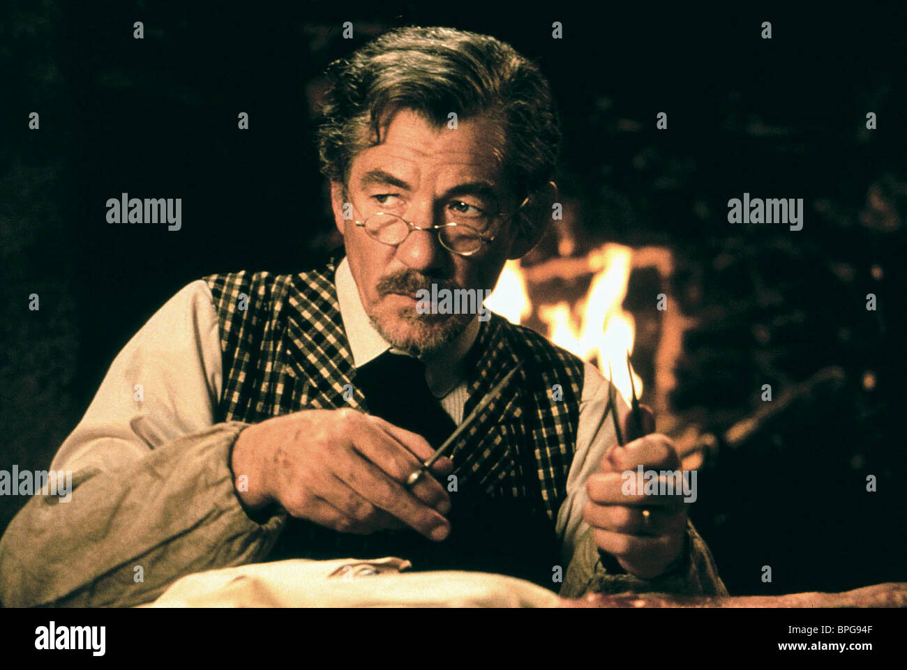 SIR IAN MCKELLEN SWEPT FROM THE SEA (1997) - Stock Image