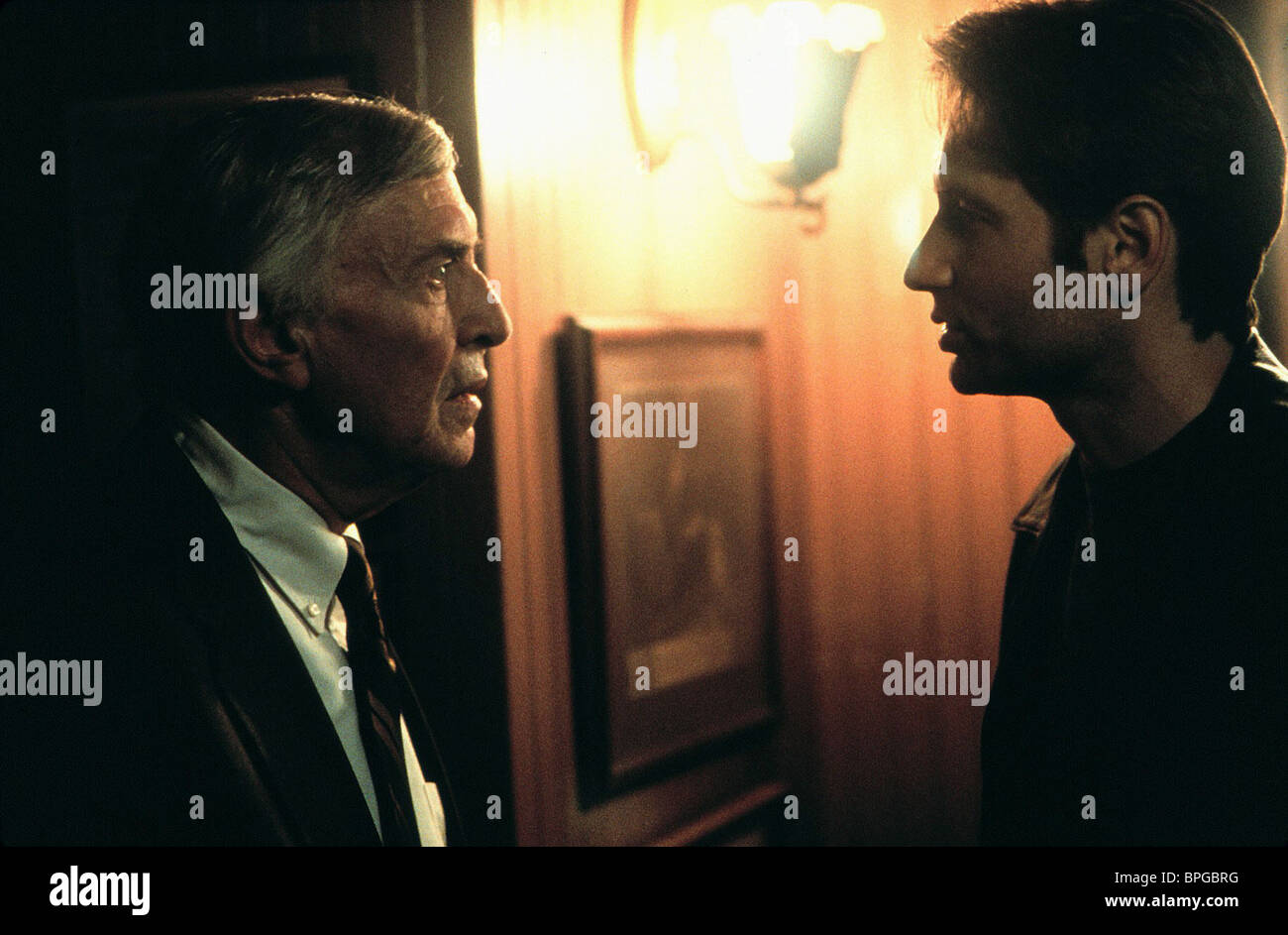 MARTIN LANDAU, DAVID DUCHOVNY, THE X FILES, 1998 - Stock Image