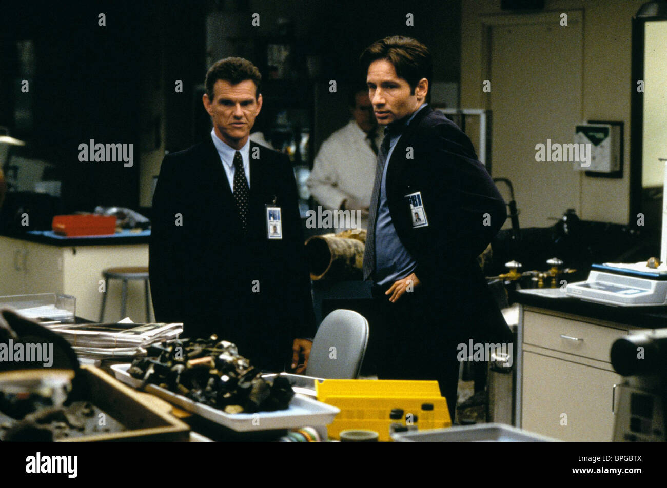DAVID DUCHOVNY THE X-FILES: THE MOVIE (1998) - Stock Image