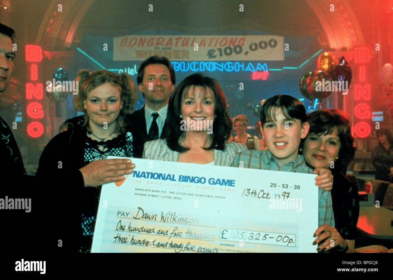 MAXINE PEAKE, BRENDA BLETHYN, GEORGE COSTIGAN, JULIE WALTERS, GIRLS' NIGHT, 1998 - Stock Image
