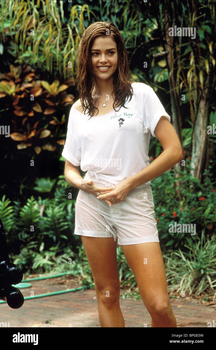 DENISE RICHARDS WILD THINGS (1998) - Stock Image