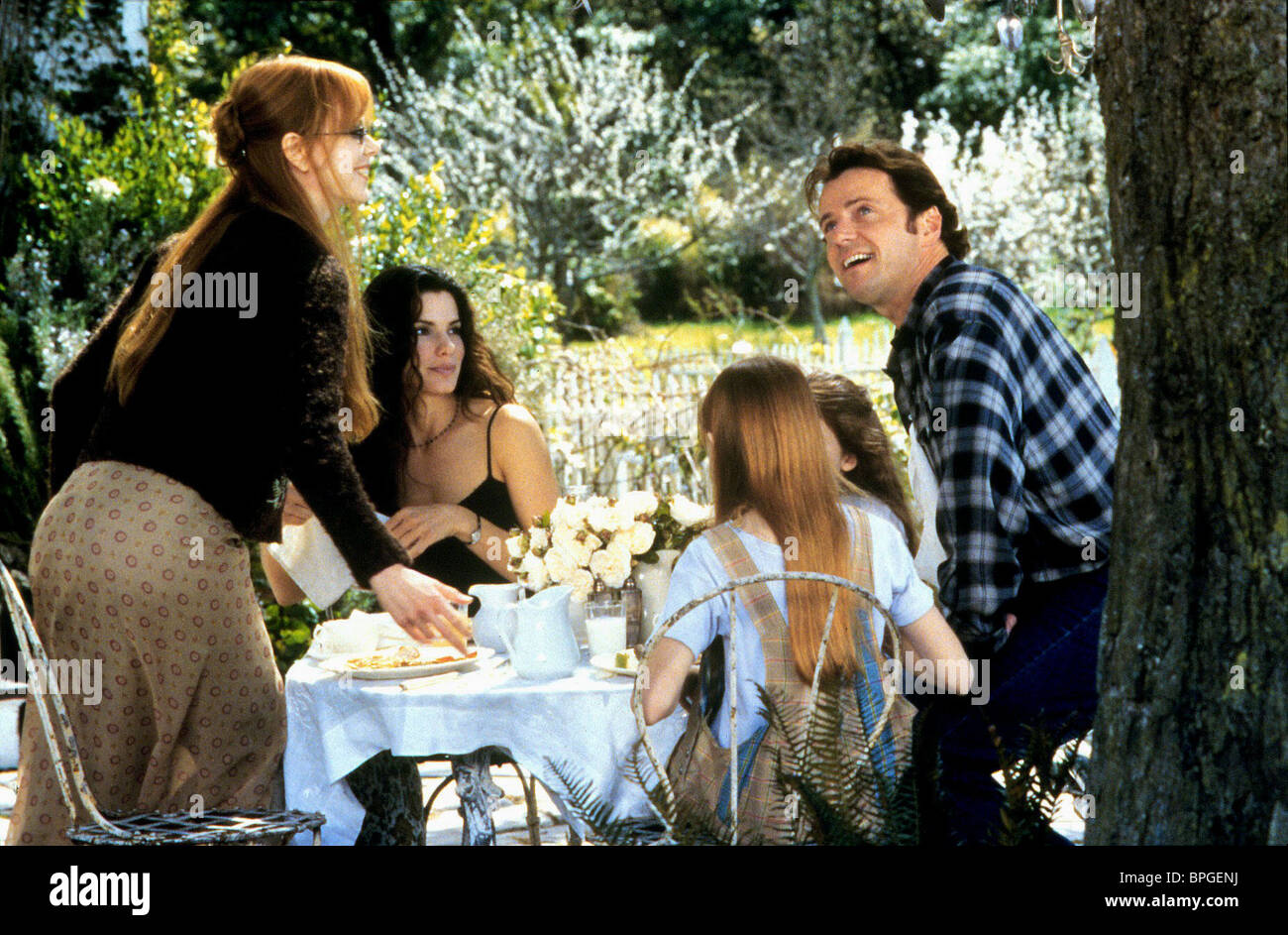 NICOLE KIDMAN, SANDRA BULLOCK, AIDAN QUINN, PRACTICAL MAGIC, 1998 - Stock Image