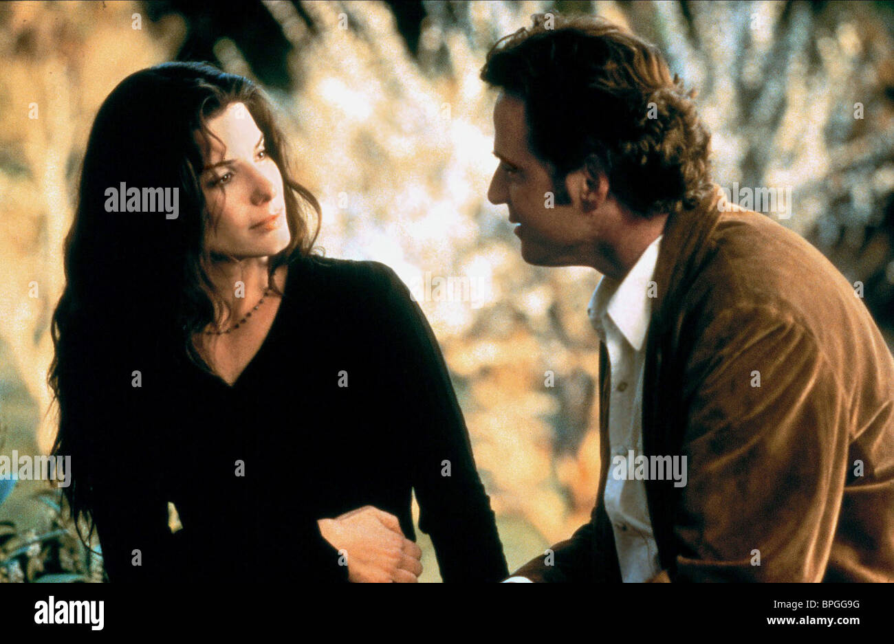 SANDRA BULLOCK, AIDAN QUINN, PRACTICAL MAGIC, 1998 - Stock Image