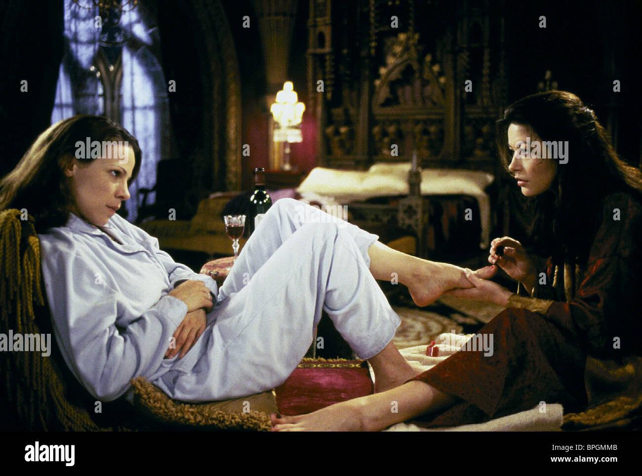 Lili Taylor Catherine Zeta Jones The Haunting 1999 Stock Photo Alamy