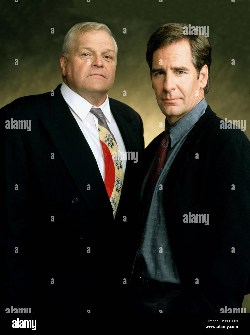 BRIAN DENNEHY & SCOTT BAKULA NETFORCE; TOM CLANCY'S NETFORCE (1999) Stock Photo