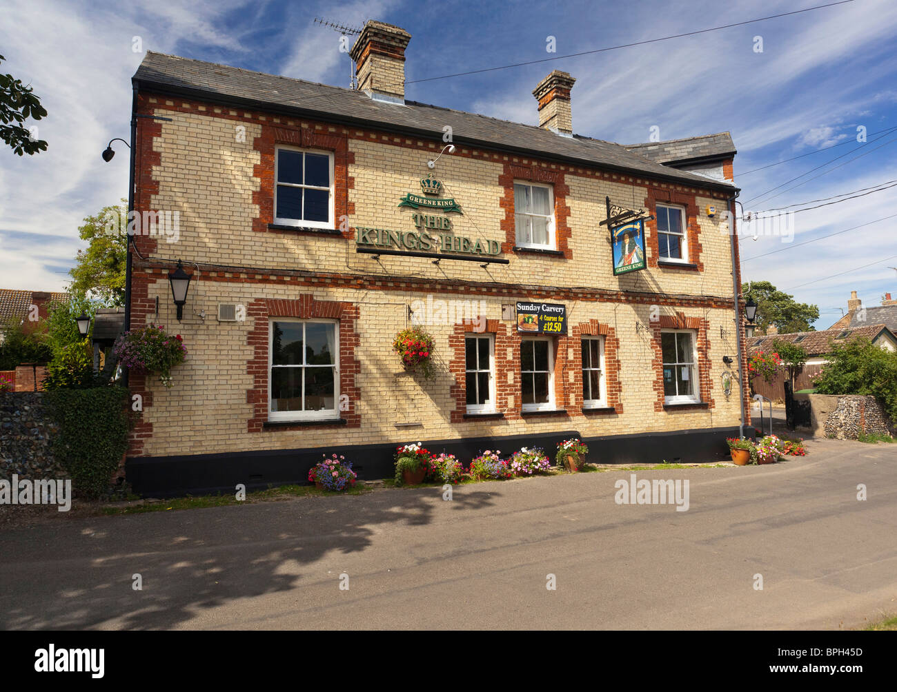 The Kings Head pub at Moulton village in Suffolk, UK - Stock Image